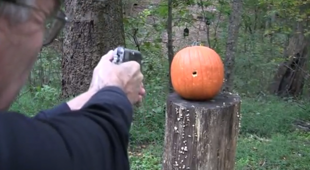 Cómo tallar una calabaza con una pistola