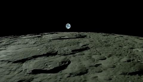 Amanecer de la Tierra desde la Luna