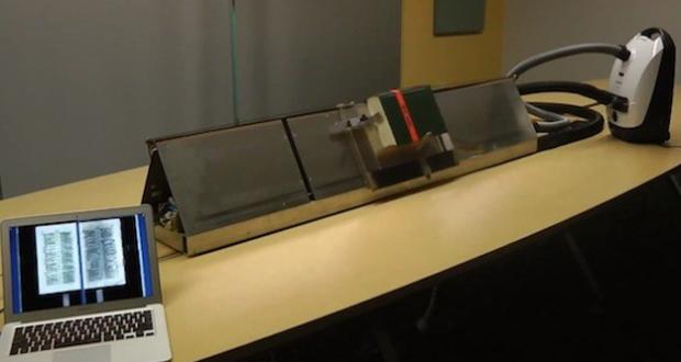 Un ingeniero de Google crea un escáner de libros con la ayuda de una aspiradora