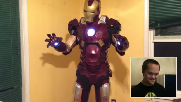 Iron Man le felicita la Navidad a Cameron, un niño de 13 años con síndrome de Down