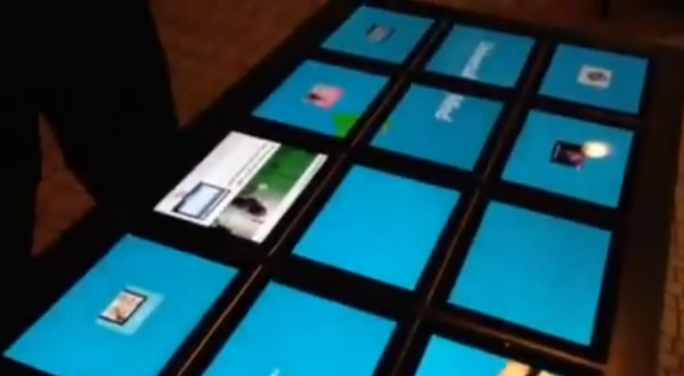 Una mesa hecha con 15 iPads