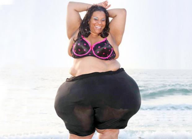 Mikel Ruffinelli, la mujer con las caderas más grandes del mundo