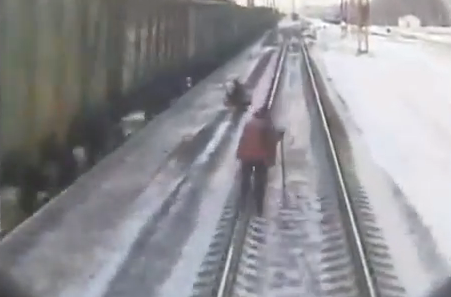 Un tren mata a un trabajador ferroviario en Donetsk, Ucrania