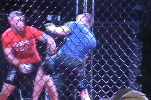 Doble knockout en una pelea de MMA