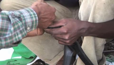 Así se arregla un pinchazo de bicicleta si no tienes parches