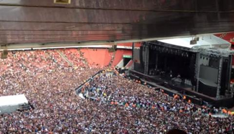 60.000 personas cantan Bohemian Rhapsody mientras esperan a Green Day en el Emirates Stadium