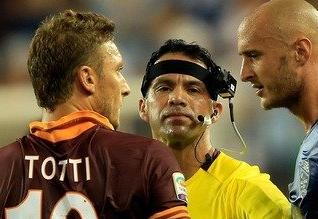 Esto es lo que ve un árbitro en un partido de fútbol