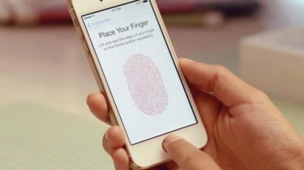 El iPhone 5s se desbloquea con los pezones