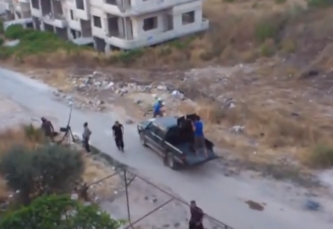 Impresionante vídeo del momento en el que un misil cae sobre un barrio de Siria