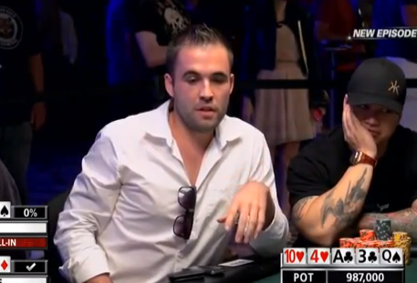 Pokerface: Se ve ganador de una mano y sale la única carta que puede hacerle perder