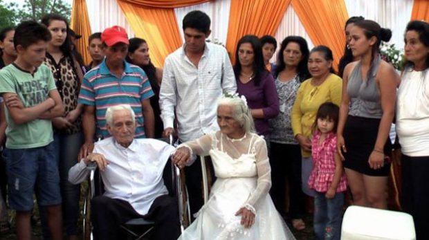 Un hombre de 103 años se casa con el amor de su vida tras 80 años de noviazgo