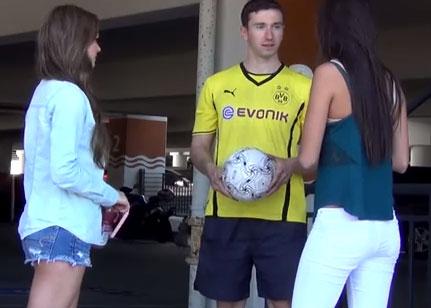 Se hace pasar por el jugador Robert Lewandowski para ligar con mujeres (vídeo)