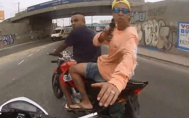 Un policía brasileño abate a tiros a un joven que acababa de robar una moto a punta de pistola