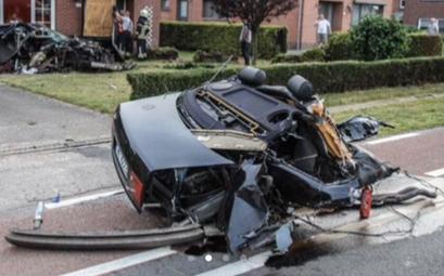 Un brutal accidente parte por la mitad un Audi S8