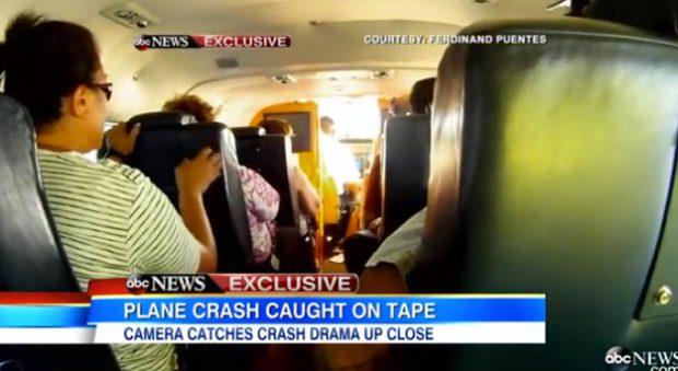 Accidente aéreo en alta mar grabado desde dentro del avión