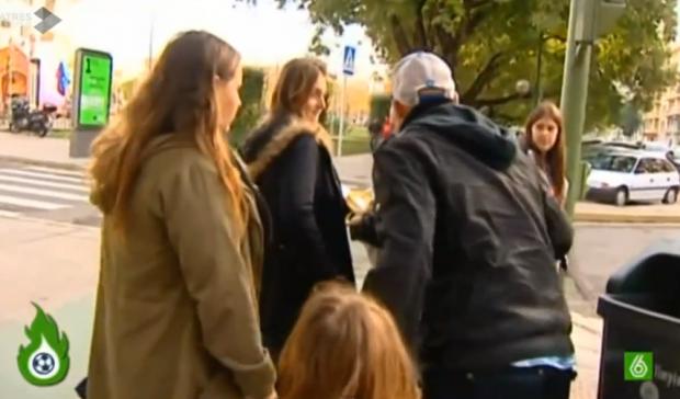 Un aficionado del Sevilla rompe una encuesta sobre indultar a Del Nido