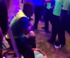 Concierto de ASAP Rocky: Un chico trepa hasta lo alto del escenario y acaba en el suelo