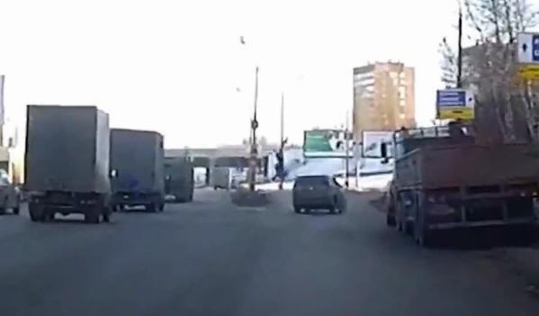 Un ciclista muere en el acto al ser atropellado por un coche