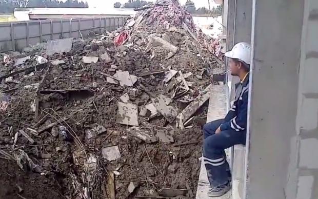¿Qué pasa cuando un obrero ruso pide fuego en la obra?
