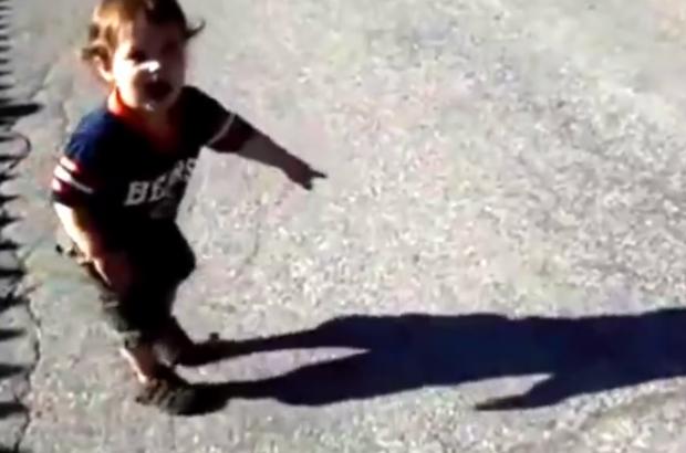 Niños aterrorizados cuando descubren su sombra por primera vez