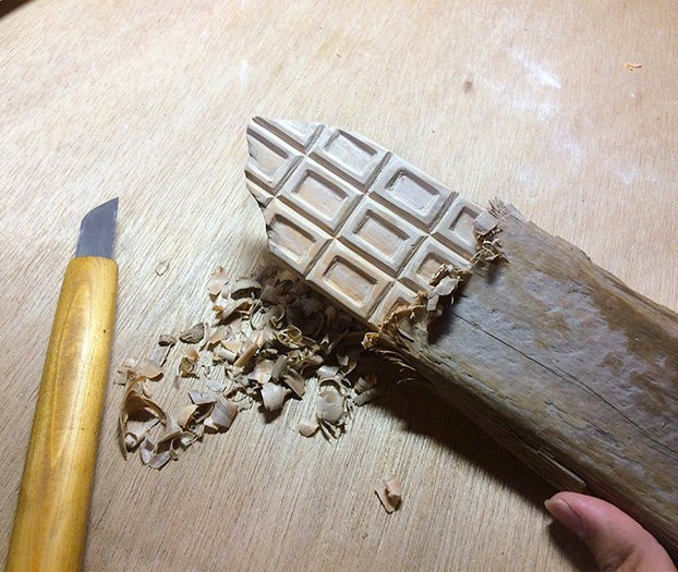 comida-realista-madera-6