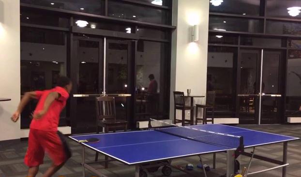 El mejor fail de ping pong de la historia