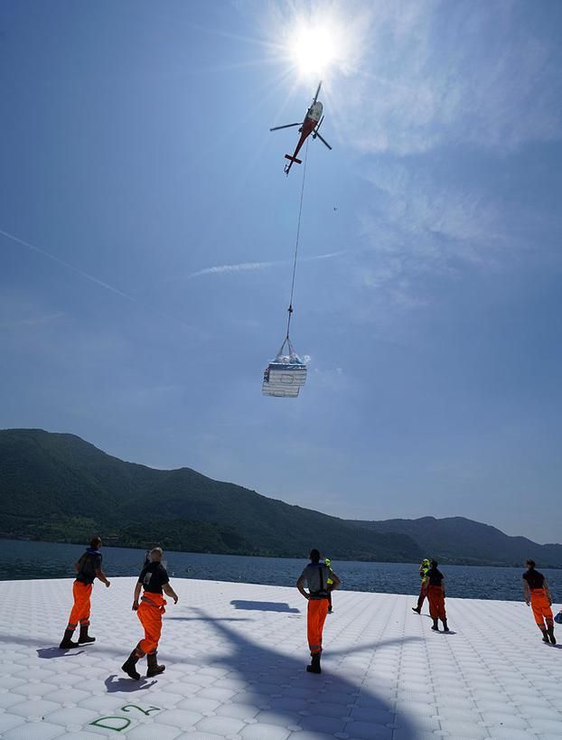 pasarela-flotante-lago-iseo-9