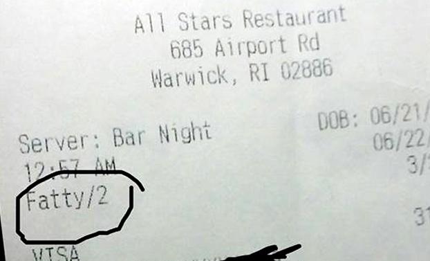 Un cliente de un bar denuncia que en el ticket lo habían identificado como 'gordinflón': ''Mi corazón se detuvo''
