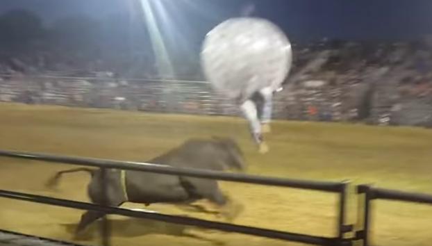 Mezclando el juego de las burbujas con los toros