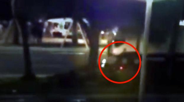 Un motorista se juega la vida en el intento de detener al terrorista de Niza (Vídeo)