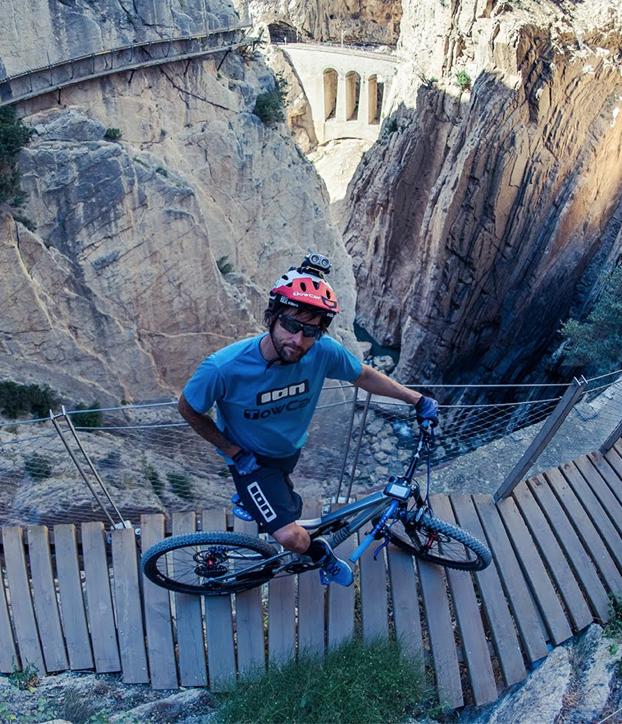 david-cachon-caminito-del-rey-bicicleta-2