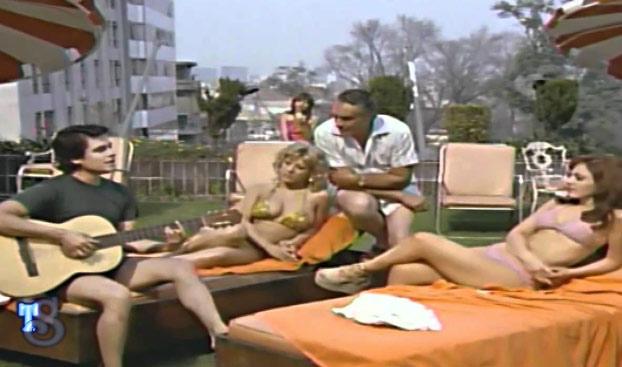Se hace viral la escena de 1979 donde Don Ramón canta junto a Juan Gabriel