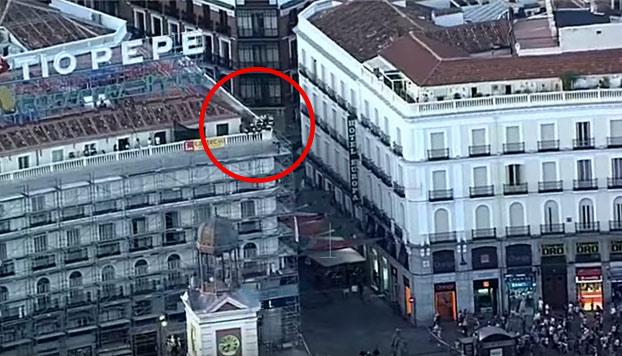 bombero-salva-suicida-centro-madrid-2