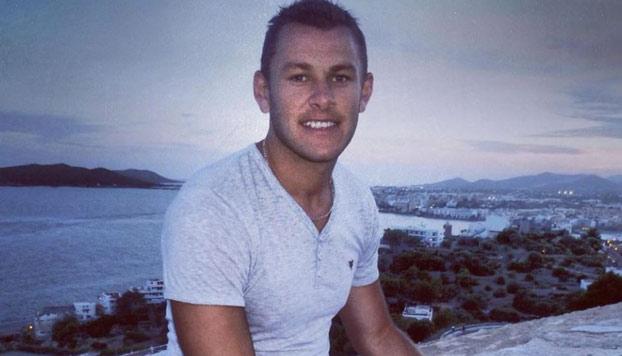 Un Dj británico compra sin darse cuenta un autobús tras una noche de fiesta en Ibiza