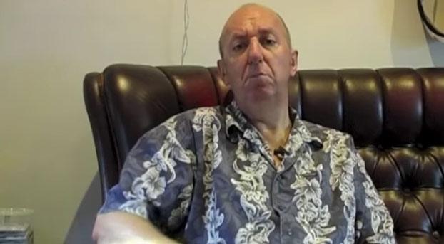 Este hombre con Parkinson avanzado nos enseña los efectos que tiene la marihuana en su cuerpo