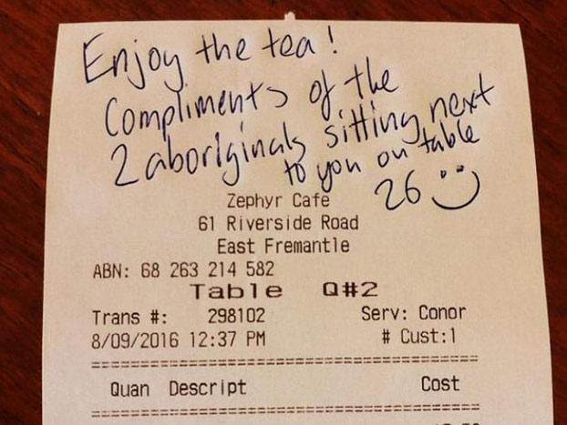 La genial respuesta de un joven australiano tras escuchar a dos señoras llamándole ''aborigen''