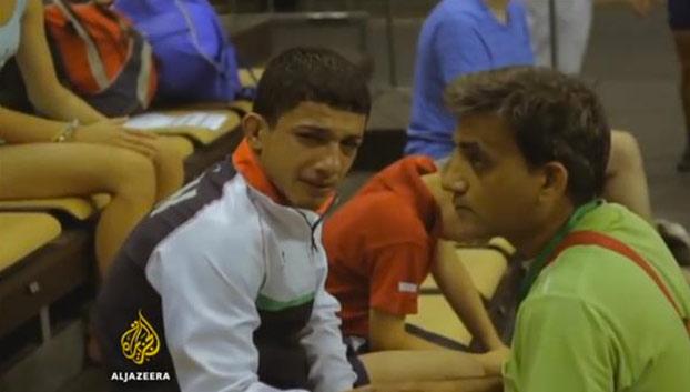 Un luchador iraní rompe a llorar cuando su entrenador le obliga a fingir una lesión para no enfrentarse a un israelí