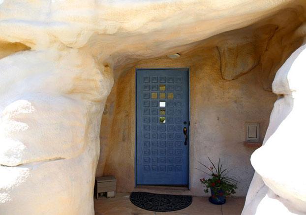 casa-roca-gigante-2