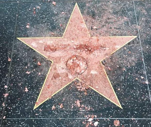 estrella-donald-trump-destrozada-2