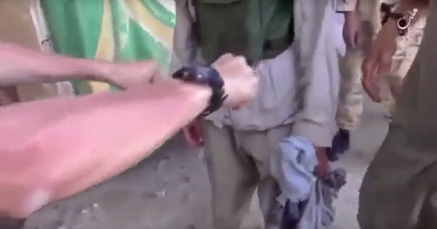 Terroristas de ISIS sortean con este simple juego quién cometerá el próximo atentado suicida