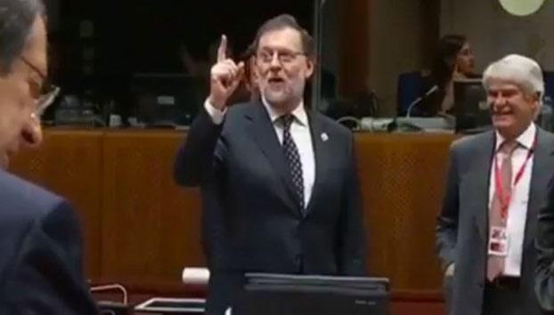 Rajoy se lía con el inglés en Bruselas y dice que será investido en una hora (Vídeo)