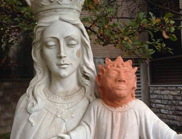 Una mujer restaura con arcilla una escultura de Jesús realizada en mármol y convierte la obra en el nuevo 'Ecce Homo'