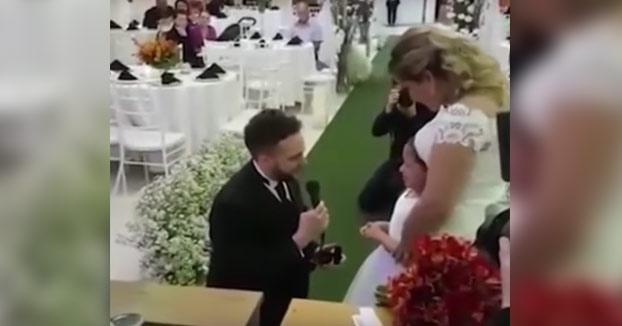 La emotiva pedida de un hombre a la hija de su mujer: ''¿Te gustaría ser mi hija para siempre?''
