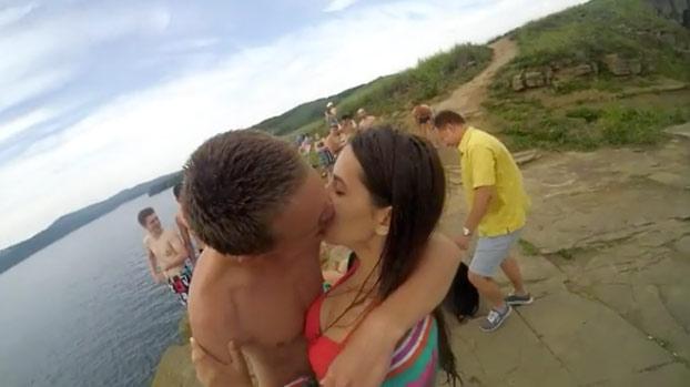 Un surfista encuentra una GoPro perdida hace un año y publica el vídeo de cómo se perdió