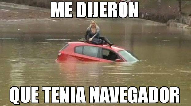 mujer-atrapada-coche-sagunto-memes-8