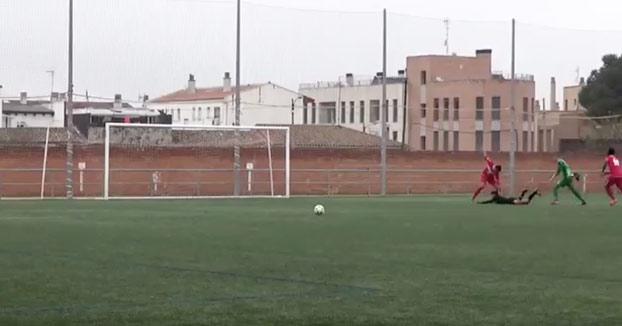 Brutal agresión a un árbitro de Primera Regional por parte de un jugador del Miralbueno (Vídeo)