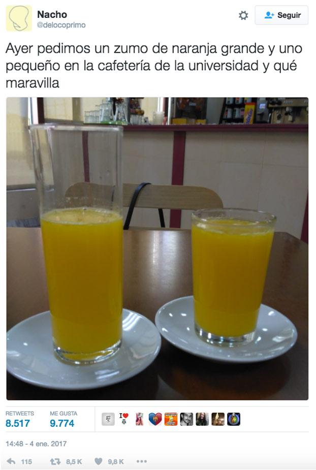 Ayer pedimos un zumo de naranja grande y uno pequeño en la cafetería de la universidad y qué maravilla