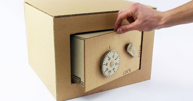 Cómo hacer una caja fuerte y su engranaje de seguridad de cartón