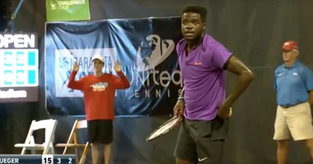 Los gemidos de una mujer obligan a interrumpir un partido de tenis