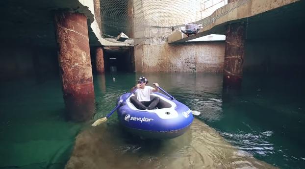 youtubers entran balsa navegan metro valencia